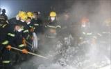 消防队员灭火
