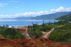 中钢集团印尼苏拉威西镍矿装船现场