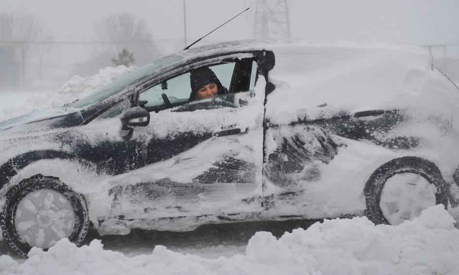 罗马尼亚布加勒斯特遭遇严寒天气袭击
