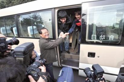 乐观的刘翔一家人看到了苦尽甘来的明天 晨报记者 顾力华 图片