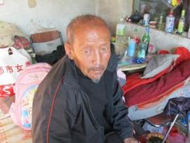 残疾拾荒父子为云南震区捐款47.2元引发感动
