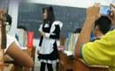 教师穿女仆装上课