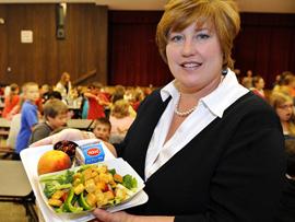 世界各国学校营养午餐
