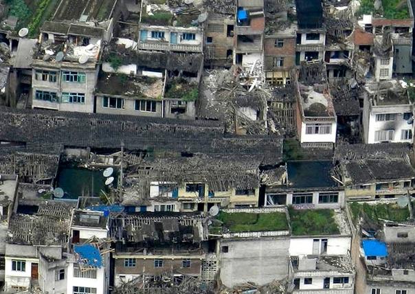 记者连线:芦山太平镇没有房屋幸免
