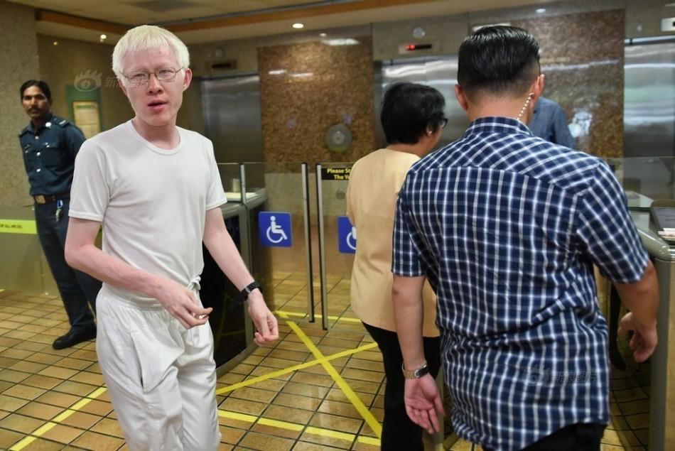 http://slide.news.sina.com.cn/w/slide_1_2841_82398.html?img=555956#p=2