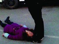 太原女工命案警员谈为何踩死者头发23分钟