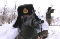 新疆:海军特种作战团沙漠戈壁反恐演练