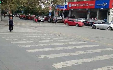 """京30余家属地重点网站响应""""认领爱心斑马线"""""""