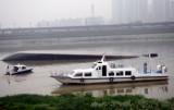 图文:沙船在浏阳河鸭子铺段突然翻倒