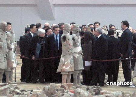 法国总统萨科齐称赞兵马俑伟大