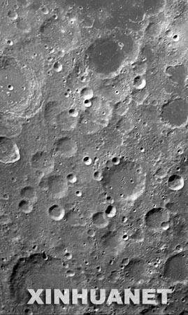 月面图幅宽280千米长460千米为19轨图片拼成