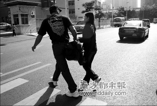 香港女子刘清声称前未婚夫美国人阿尔伯托将性病染给