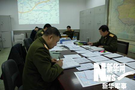 中国军队出兵超过20万人次参与抗冰救灾
