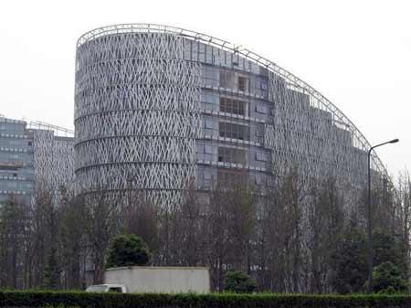 成都市新行政办公中心将被拍卖所得捐献灾区