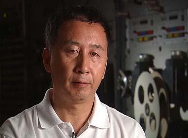 冯小宁在北川体验余震