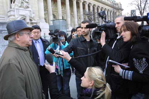 法国历史学家希望萨科奇买下兽首送给中国