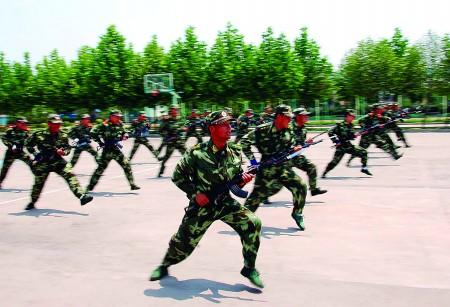 武警新训练大纲_武警山东总队为贯彻落实新《军事训练大纲》,进一步强化武警官兵