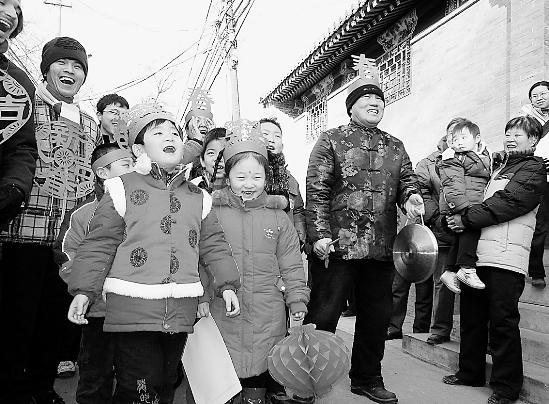 """春官""""报春_新闻中心_新浪网"""