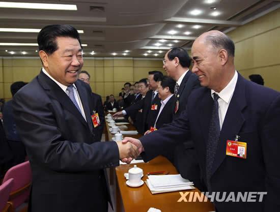 胡锦涛等分别参加人大政协团组的审议和讨论