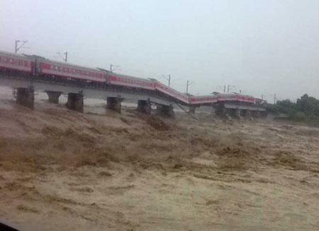 宝成铁路运输下行在广汉境内暂时中断