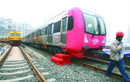 重庆地铁一号线试跑 时速可达百公里全国最快