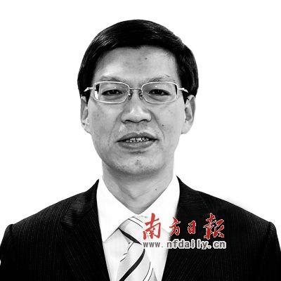 外交部新闻司参赞鲁世巍