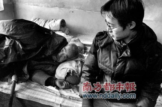 孟建伟82岁的爷爷,在其子孟富贵被打死后一病不起。 南都记者 纪许光 摄
