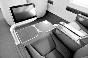 动车二等座有桌子吗_crh380a动车的豪华座位有小桌子和电视屏幕