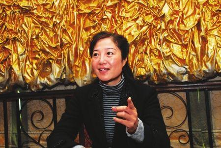 四川蓬安公务员性侵案后规定党员上班须戴党徽