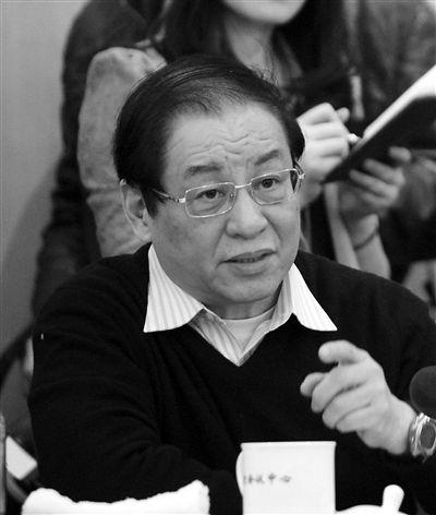 全国政协委员、中国银监会前主席刘明康:有人私下跟我讲,在民间借贷当中,出现了官商勾结。