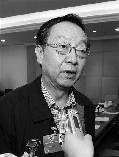 全国政协委员、工信部原部长李毅中:小微企业淘汰是正常的,不要一说有多少关闭了就惊慌失措。
