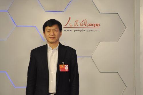 图为:全国政协委员、北京大学第三医院院长陈仲强