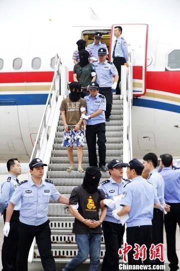 125名犯罪嫌疑人被押解至江苏省苏州市看守所