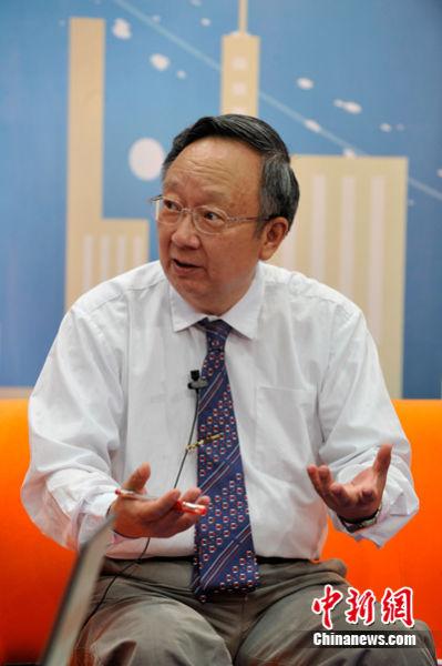 中国社会科学院世界经济与政治研究所国际战略研究室原主任沈骥如9月6日做客中新网《新闻大家谈》,为广大网友详解APEC峰会相关话题。中新网记者 张龙云 摄