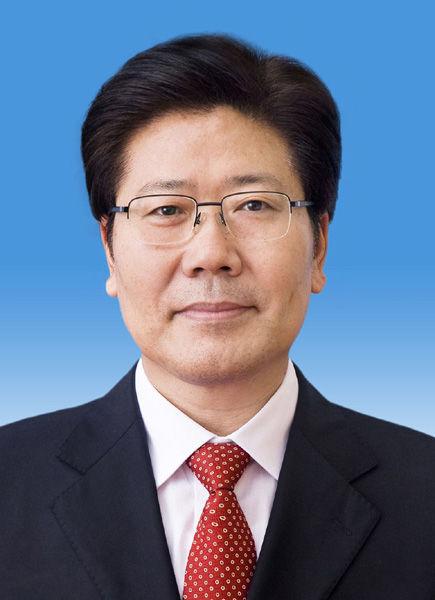 中央政治局委员张春贤同志