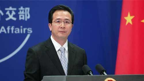 """外交部发言人洪磊表示,坚持""""一个中国原则""""是国际社会的普遍共识。"""