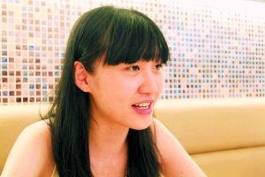 去年暑假,中山大学女生曾佩伦在一间餐厅接受媒体采访。