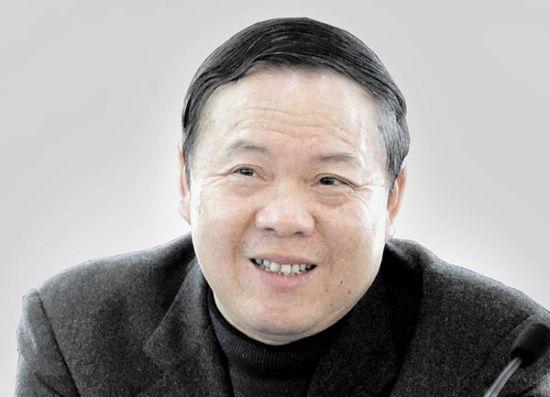 孝感市人大常委会主任李海华。