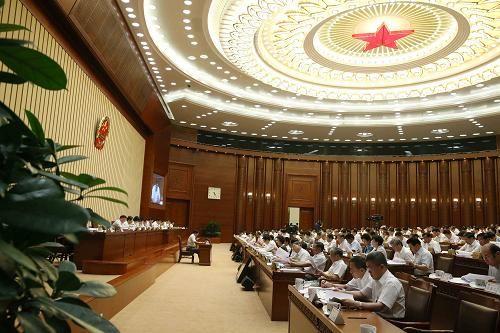 8月25日,十二届全国人大常委会第十次会议在北京人民大会堂开幕。张德江委员长主持会议。新华社记者 刘卫兵 摄