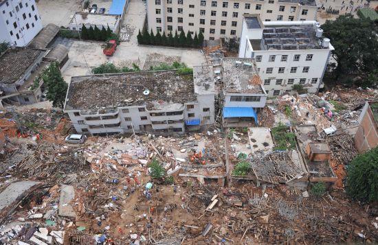 云南鲁甸地震灾区航拍.资料图-云南鲁甸震区4名村民在拆除危房时身亡图片