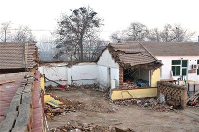 13日下午,河北廊坊永清县刘街乡徐街村春蕾幼儿园一间教室倒塌,造成3死3伤。新京报记者 侯少卿 摄