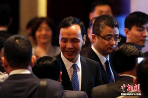 5月3日,第十届两岸经贸文化论坛在上海举行。中国国民党主席朱立伦出席本次论坛开幕式并致辞。中新社发 汤彦俊 摄