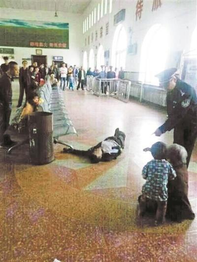 徐纯合在庆安县火车站候车厅被击毙