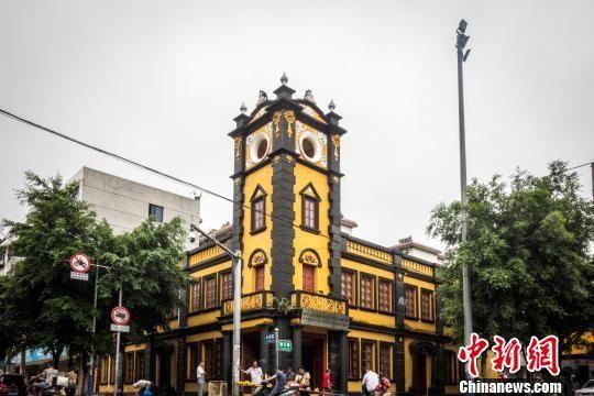 广西柳州飞虎队遗址杂草丛生 部分营房成餐馆