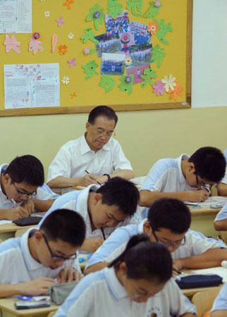温家宝到北京35中调研与学生共听5节课(组图)
