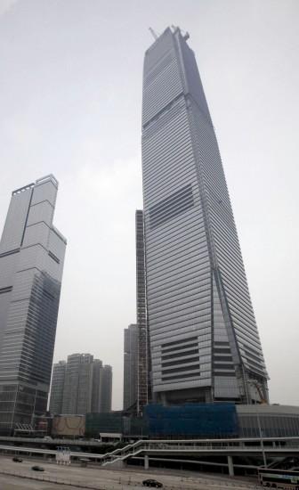 香港建筑工地6名工人从高处坠下死亡(组图)