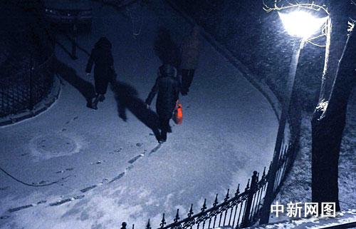 组图:北京开始降下新年第二场雪