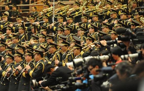 图文:军乐团在会场演奏