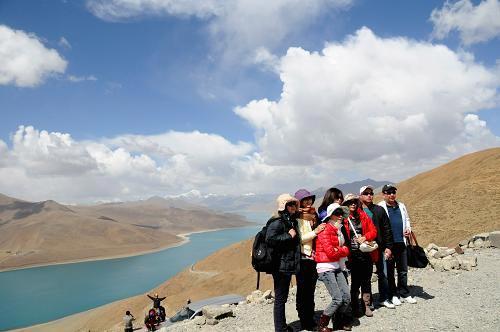 组图:西藏一季度旅游总收入同比增长30.8%