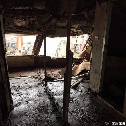 """中国青年报记者进入""""东方之星"""",图中是舱内情况"""